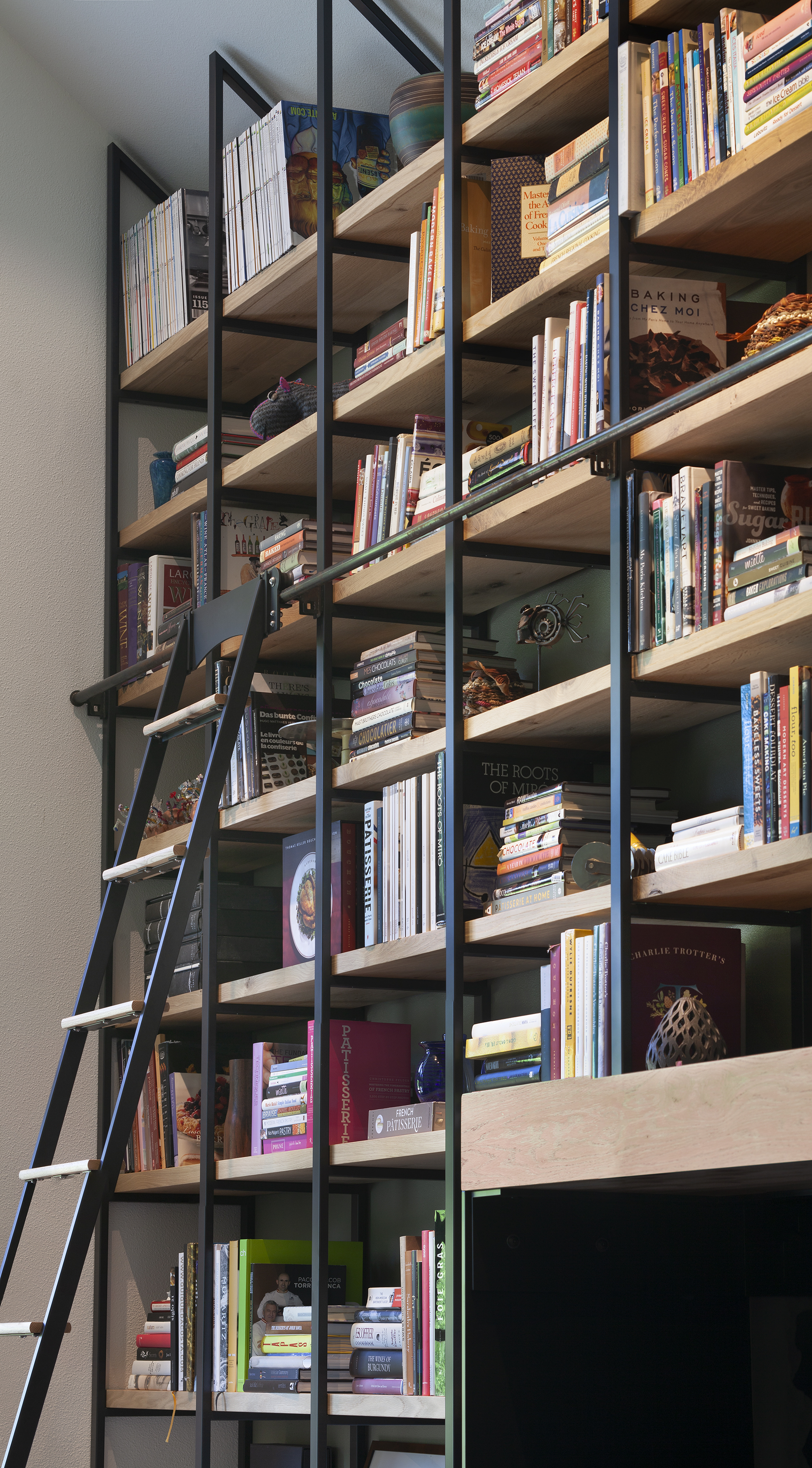bookcase w ladder